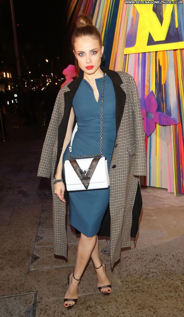 Xenia Tchoumitcheva No Source Sexy Beautiful Babe Celebrity Posing Hot