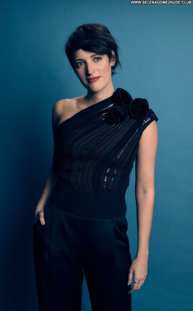 Phoebe Waller No Source  Celebrity Babe Posing Hot Sexy Beautiful