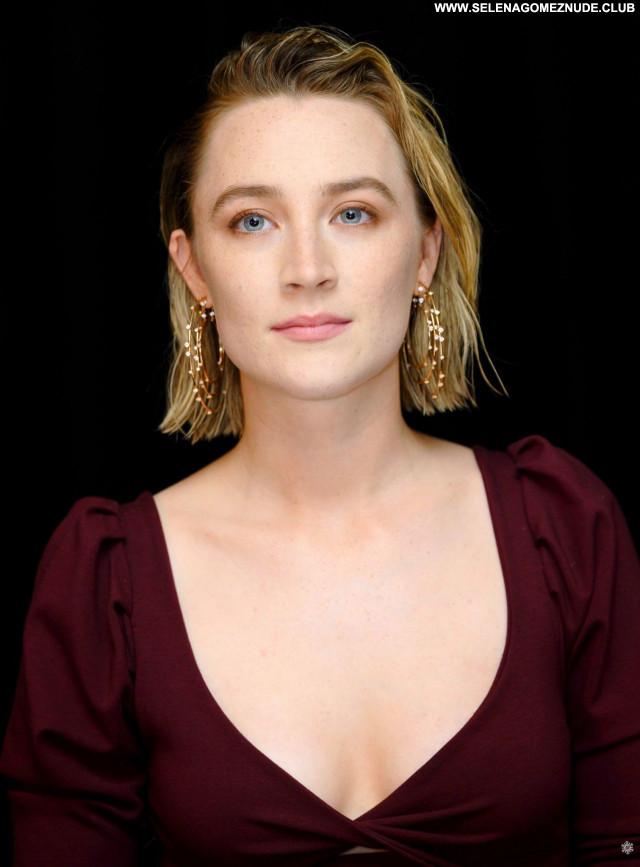Saoirse Ronan No Source  Babe Beautiful Posing Hot Celebrity Sexy