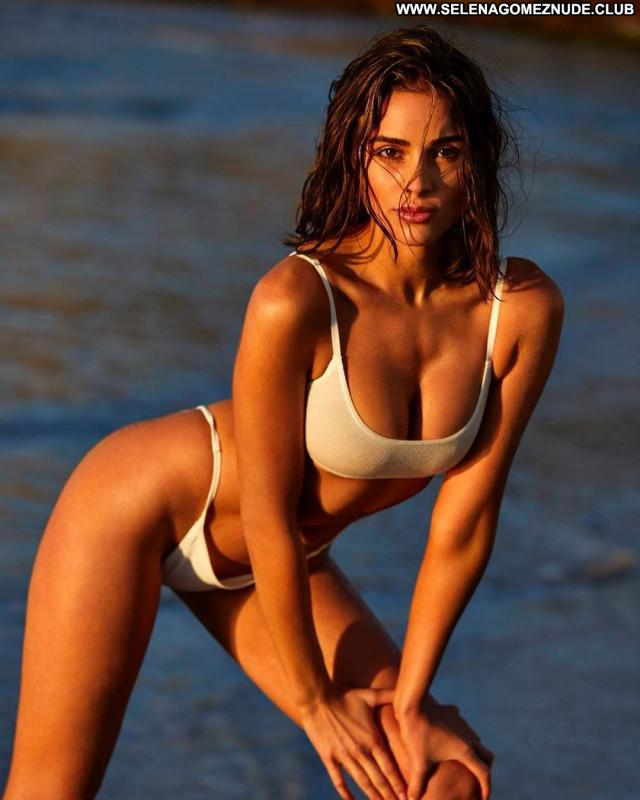 Olivia Culpo No Source Babe Swimsuit Celebrity Model Posing Hot Sport