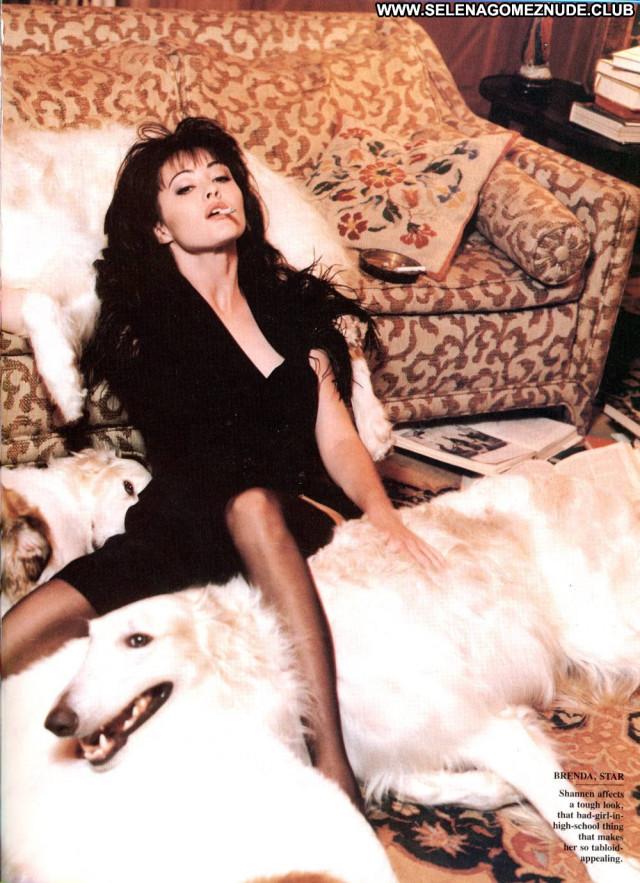 Shannen Doherty No Source Babe Celebrity Posing Hot Asian Beautiful
