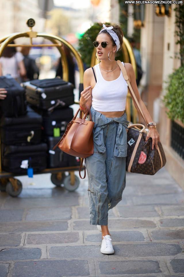 Alessandra Ambrosio No Source Sexy Beautiful Celebrity Babe Posing Hot