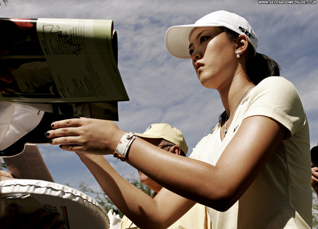 Michelle Wie No Source Babe Asian Celebrity Beautiful Posing Hot
