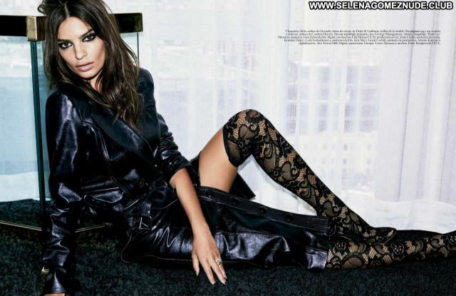Emily Ratajkowski No Source Posing Hot Celebrity Beautiful Babe Sexy
