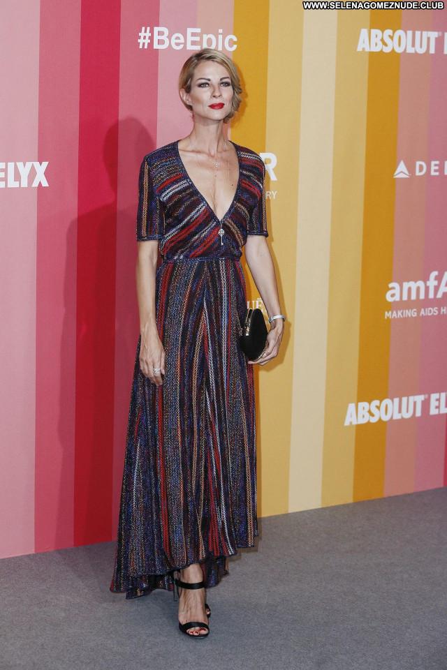 Roberta Ruiu No Source Celebrity Babe Beautiful Sexy Posing Hot