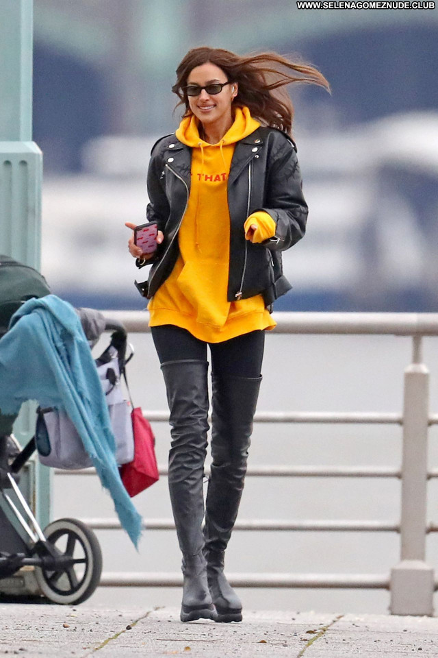 Irina Shayk No Source Sexy Celebrity Babe Beautiful Posing Hot