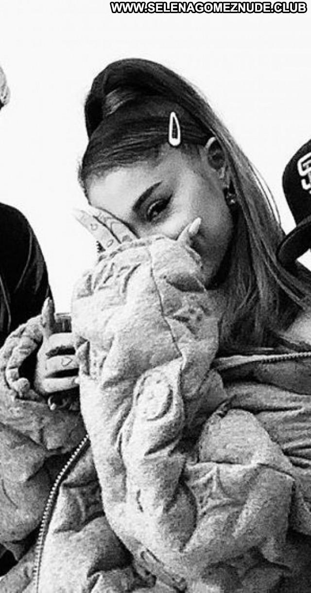 Ariana Grande No Source Sexy Posing Hot Babe Beautiful Celebrity