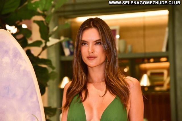 Alessandra Ambrosio No Source Big Tits Brazil Beautiful Videos Posing