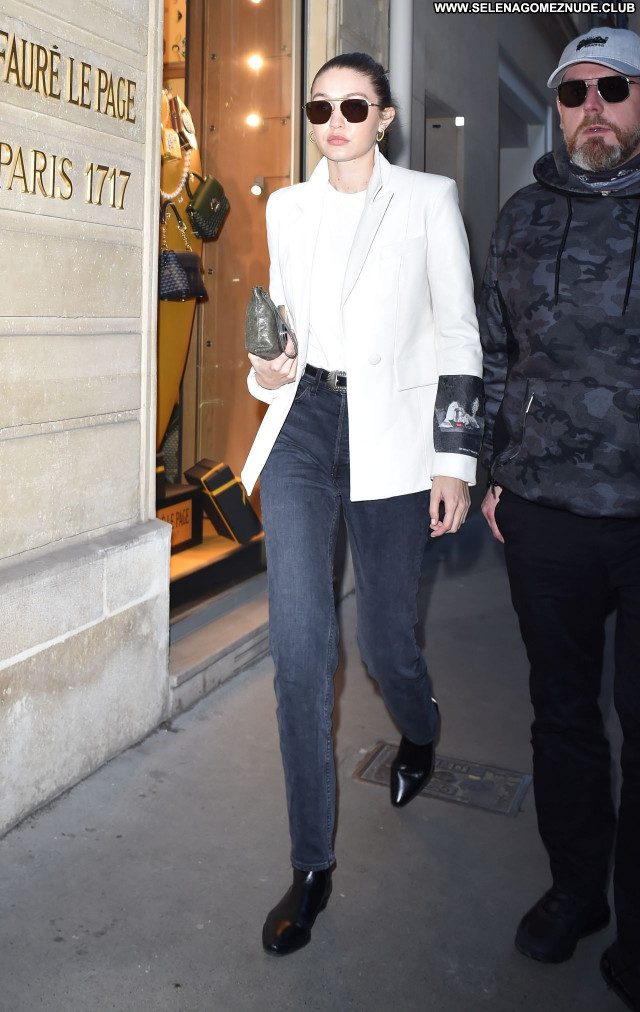 Gigi Hadid No Source Sexy Posing Hot Beautiful Celebrity Babe