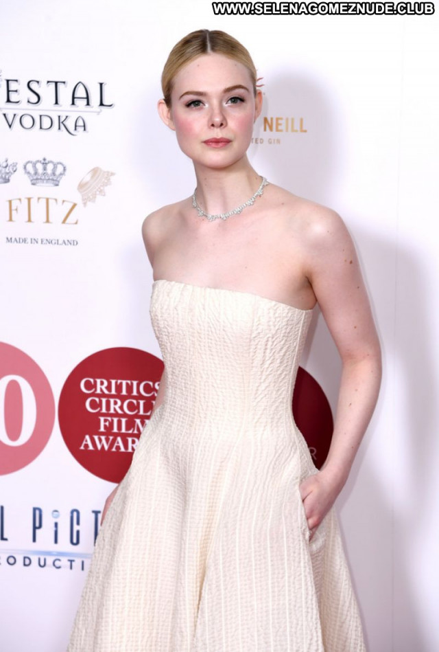 Elle Fanning No Source Beautiful Celebrity Posing Hot Sexy Babe