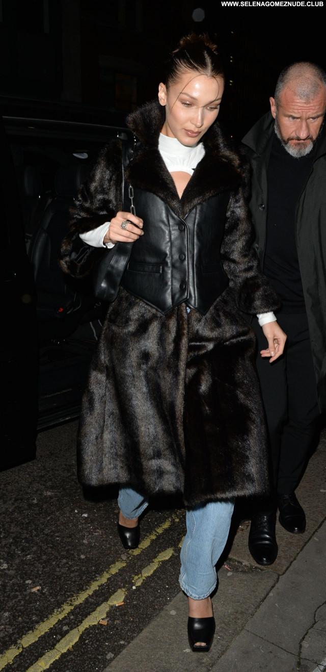 Ella Hadid No Source Posing Hot Celebrity Sexy Beautiful Babe