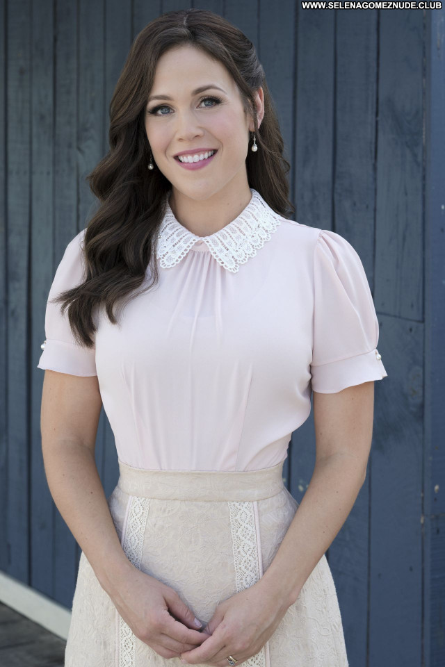 Erin Krakow No Source Sexy Posing Hot Beautiful Celebrity Babe