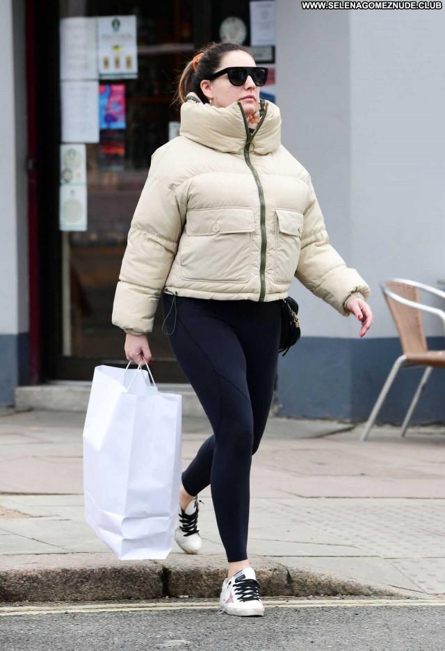 Kelly Brook No Source Beautiful Babe Paparazzi Celebrity Posing Hot