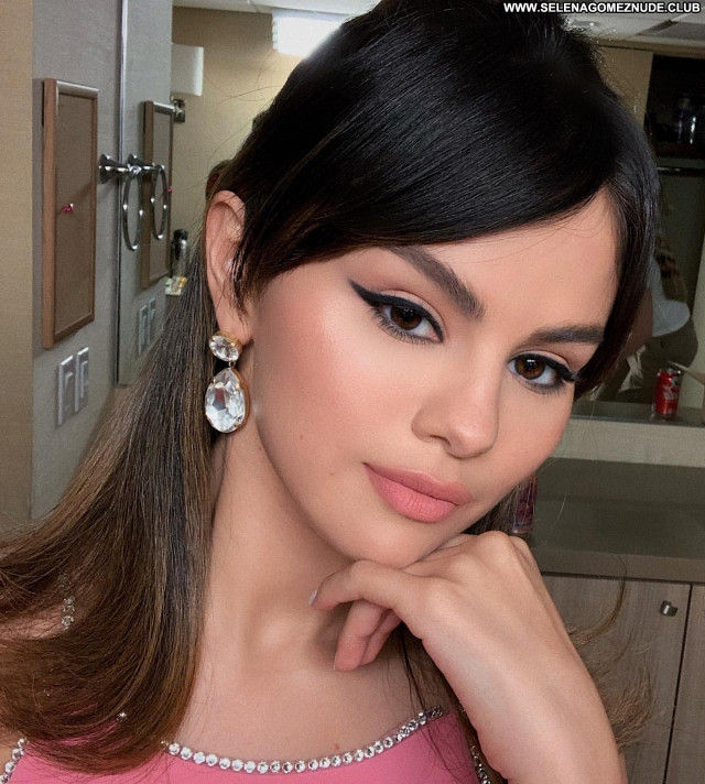 Selena Gome No Source Babe Posing Hot Paparazzi Beautiful Celebrity
