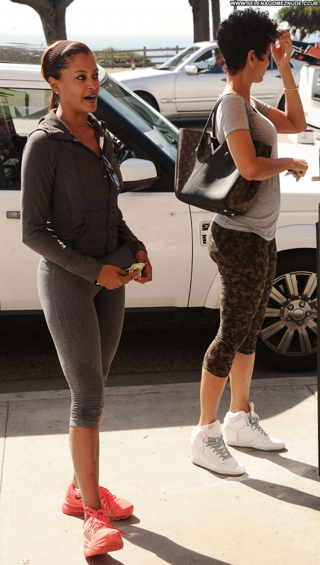 Claudia Jordan No Source Beautiful Paparazzi Celebrity Jordan Posing