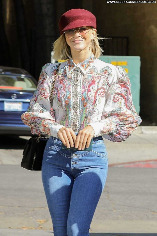 Julianne Hough Los Angeles Posing Hot Celebrity Paparazzi Beautiful