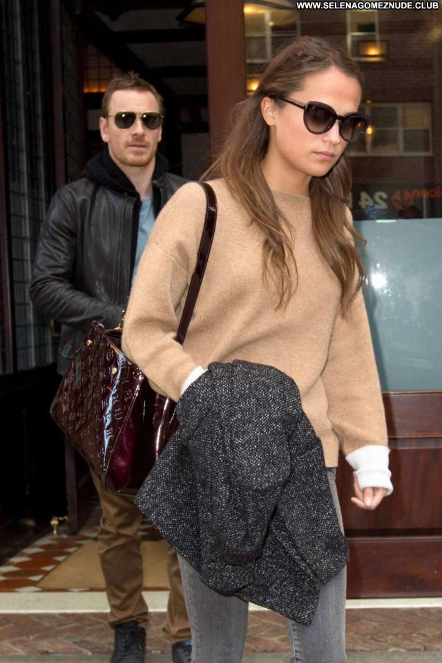 Alicia Vikander No Source Beautiful Hotel Paparazzi Nyc Babe
