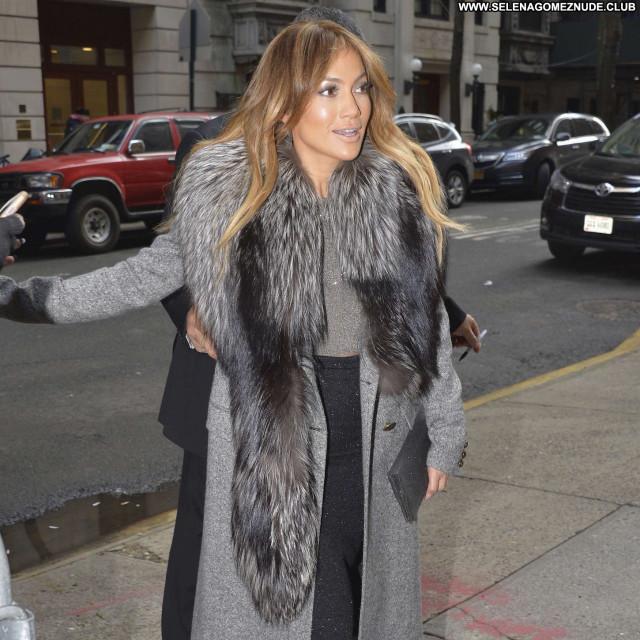 Jennifer Lopez Good Morning America Nyc Beautiful Paparazzi Posing