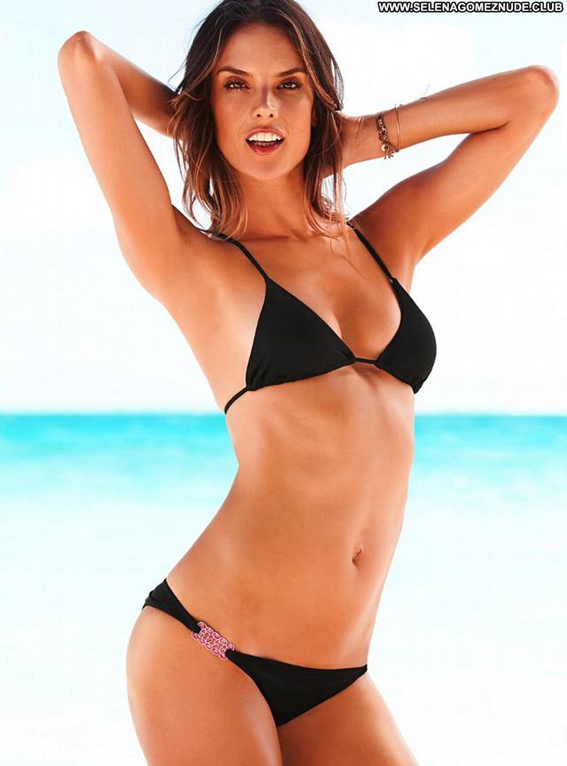 Bikini No Source Bikini Babe Posing Hot Paparazzi Celebrity Beautiful