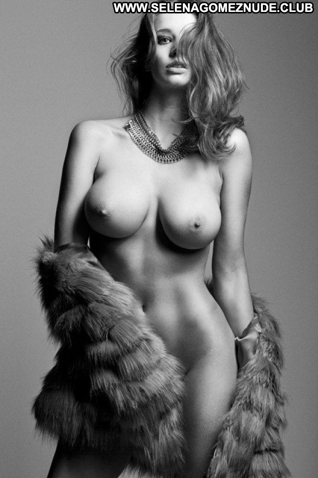 Emily Agnes No Source Full Frontal Topless Babe Nude Natural Playmate