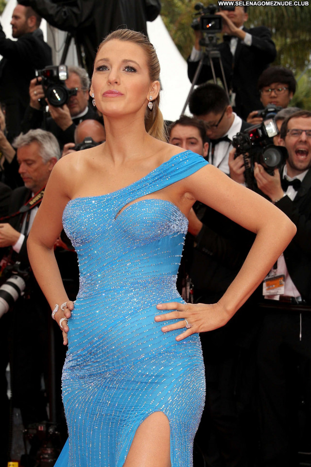 Blake Lively Cannes Film Festival Beautiful Posing Hot Paparazzi