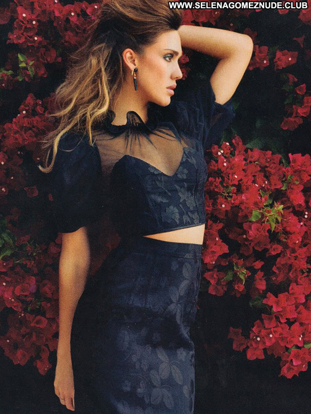 Jessica Alba No Source Paparazzi Latina Latin Babe Magazine Beautiful