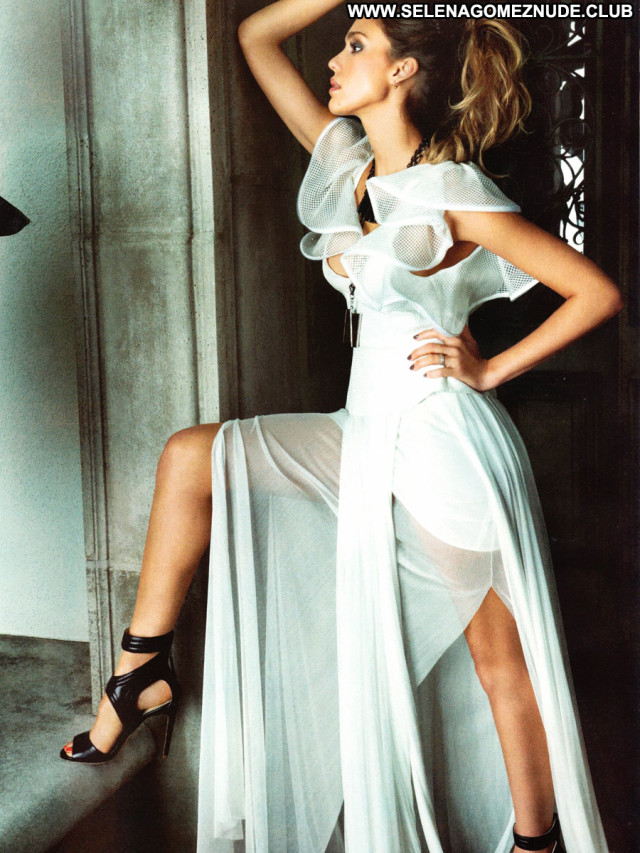 Jessica Alba No Source Babe Paparazzi Magazine Beautiful Latin