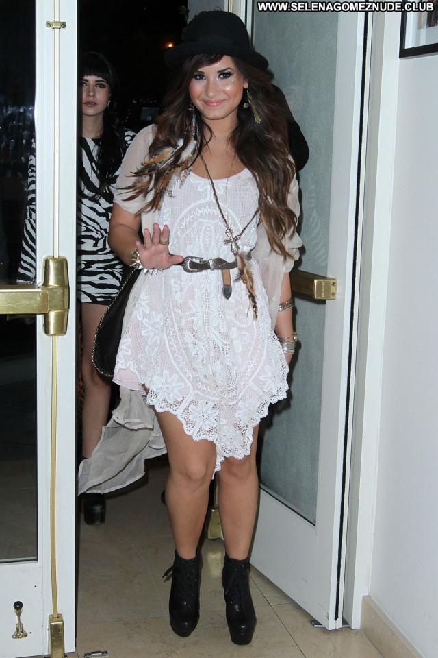 Demi Lovato West Hollywood Babe Party Hollywood Beautiful Paparazzi