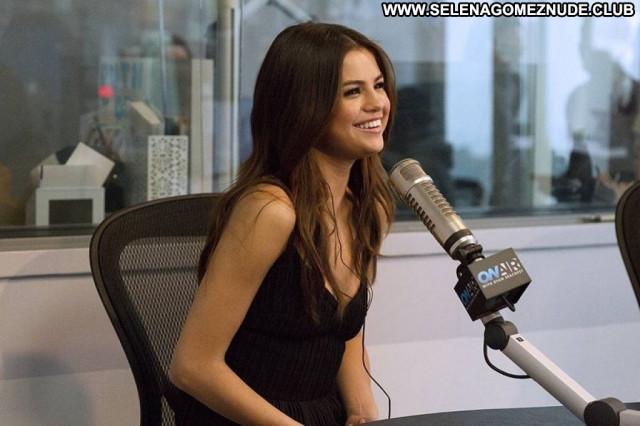 Selena Gomez No Source  Beautiful Babe Posing Hot Celebrity Sexy