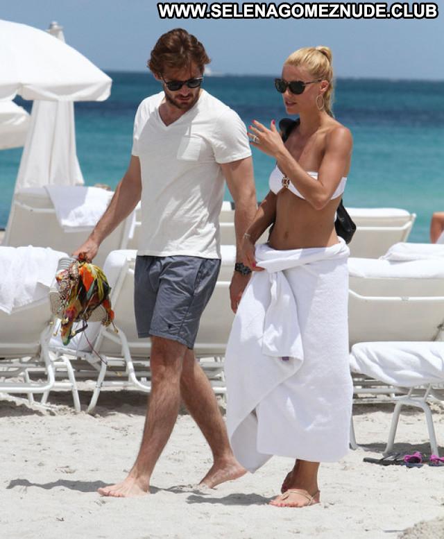 Michelle Hunziker No Source Babe Celebrity Bikini Candid Paparazzi