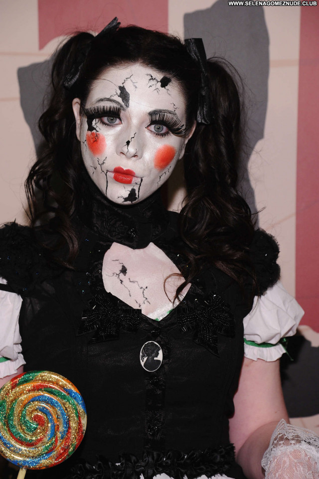 Michelle Trachtenberg Halloween Party Party Paparazzi Halloween