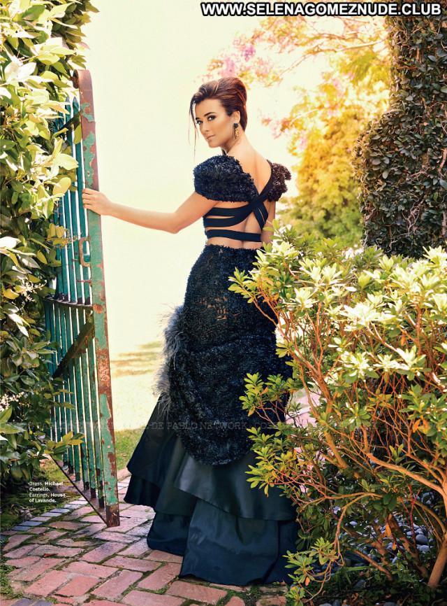 Cote De Pablo No Source Babe Posing Hot Latina Magazine Paparazzi