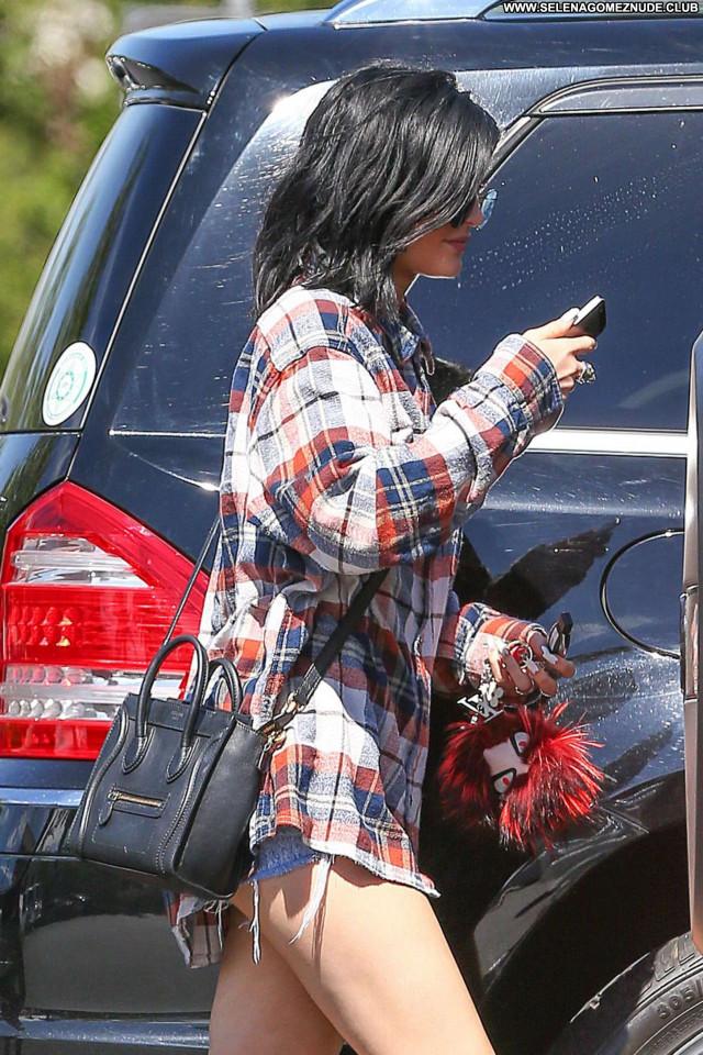 Kylie Jenner No Source  Paparazzi Denim Shorts Babe Beautiful Posing