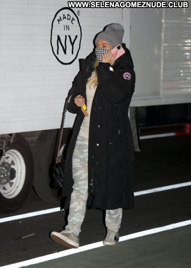 Saoirse Ronan Los Angeles Posing Hot Beautiful Babe Celebrity