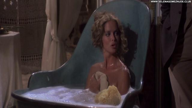 Barbara Bach L     Isola Degli Uomini Pesce Movie Celebrity Nude Babe