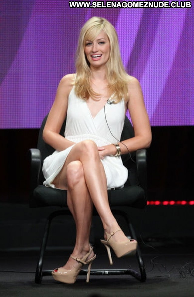 Beth Behrs No Source  Boobs Beautiful Babe Posing Hot Celebrity Big